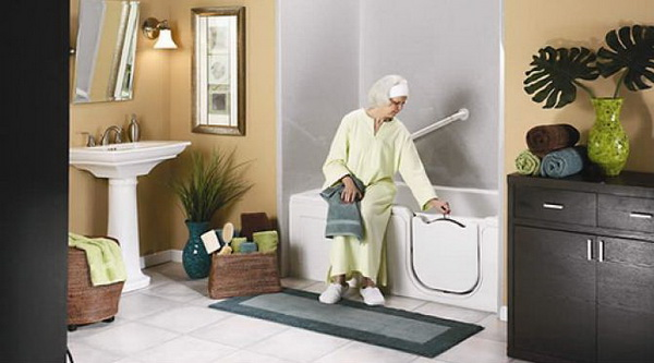 kamar mandi aman untuk lansia