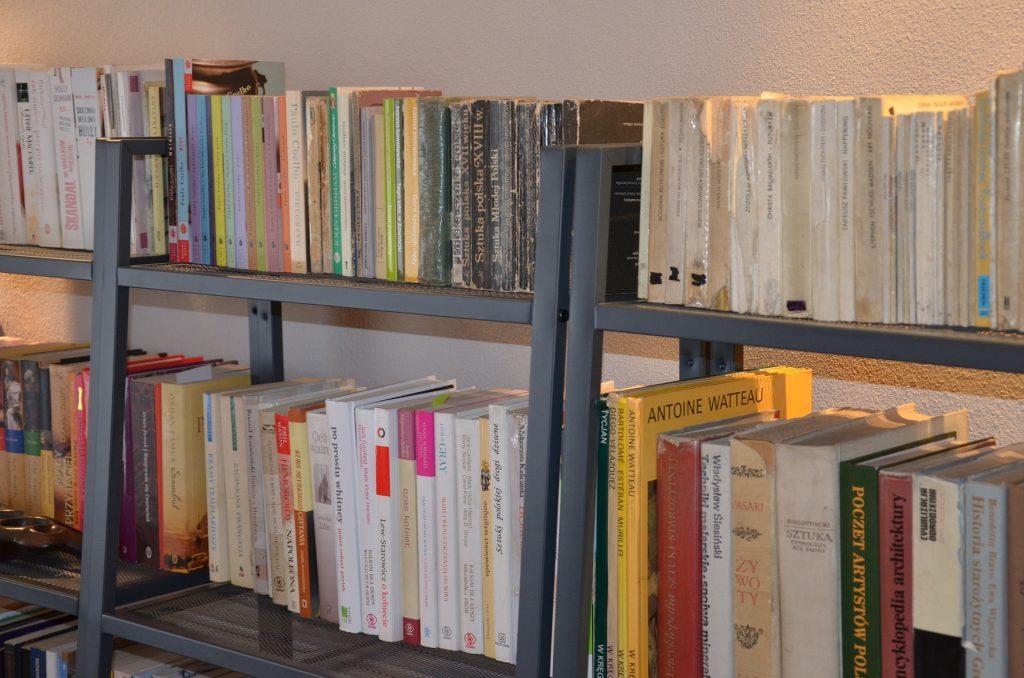 book-257806_1920