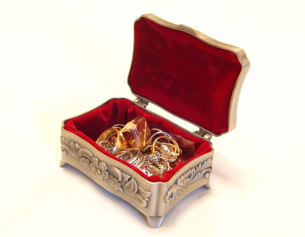 jewellery-2192121_1920