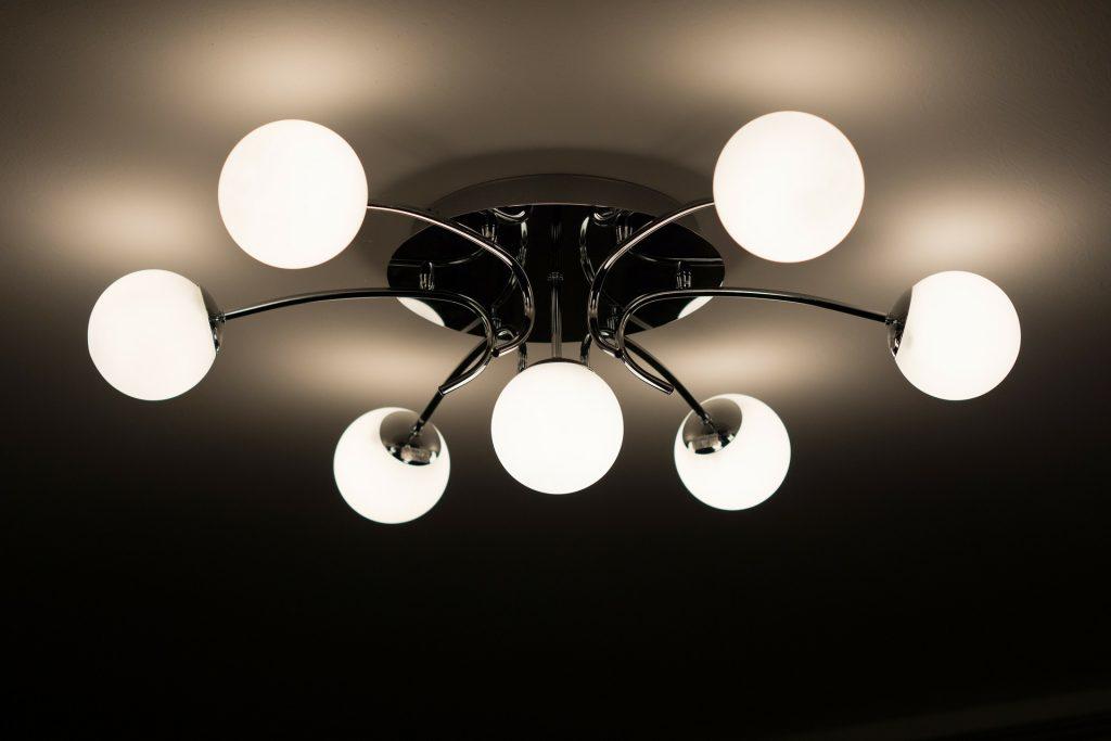 ceiling-lamp-335975_1920