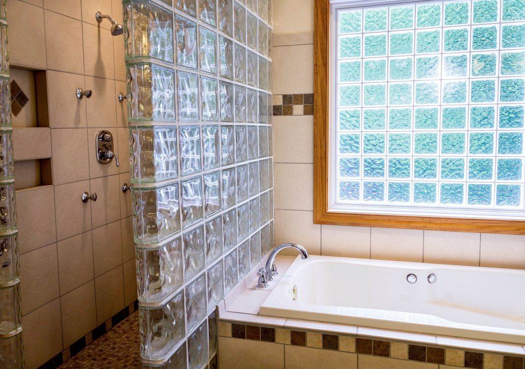 shower-670254_1920
