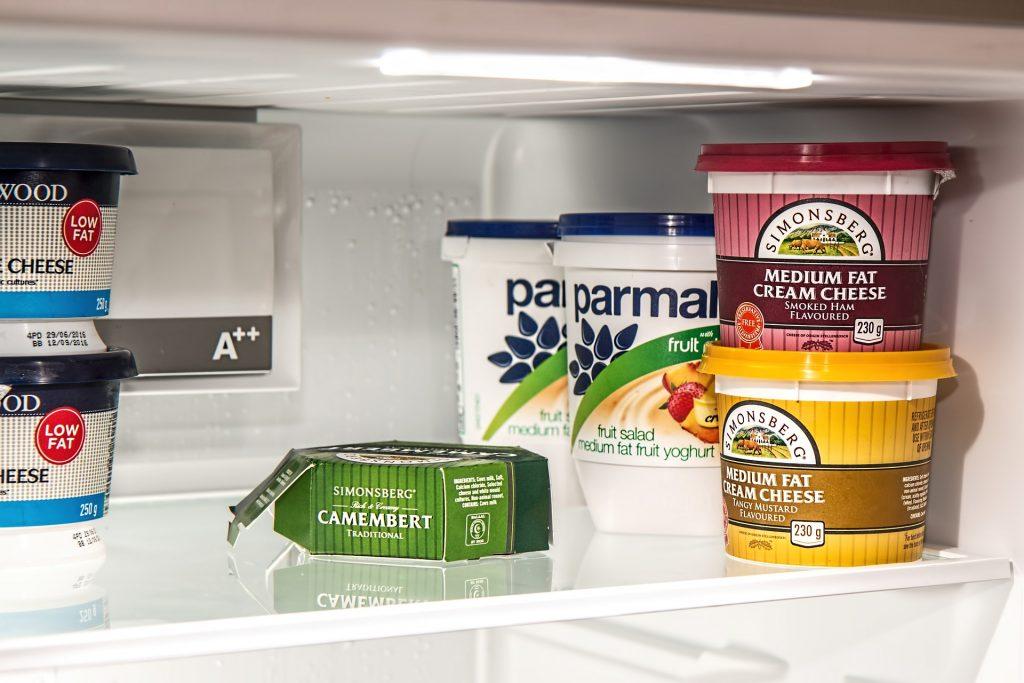 refrigerator-1619676_1920