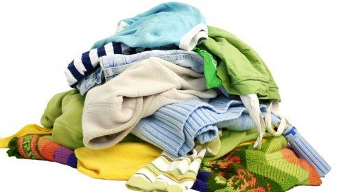 tumpukan pakaian kotor