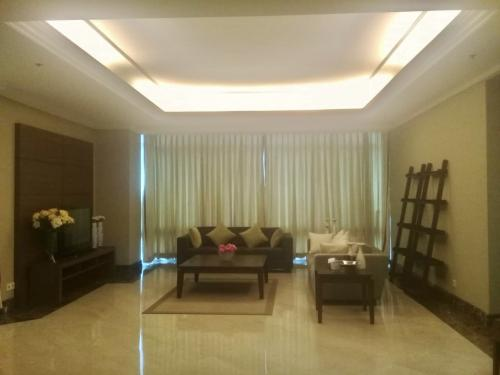 For Rent Four Seasons Apartment In South Jakarta 3 Br 200 Sqm Full Furnished Luxurious Unit Semi Private Lift