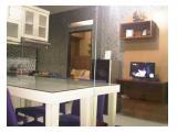 Ruang tamu, meja :  konsul/kerja/makan