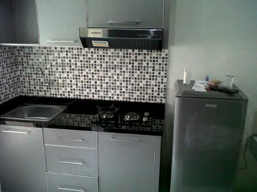 Sewa apartemen di duren tiga apartment for rent in duren for Pemasangan kitchen set