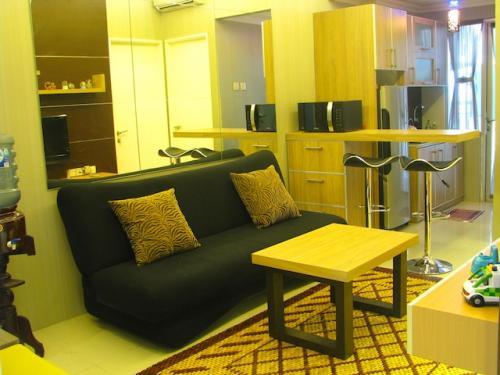 Living Room Kitchen Of 2br