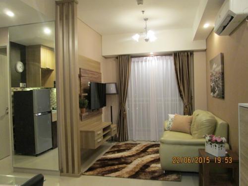 Sewa trivium terrace apartment lippo cikarang 2 br full for Apartment design jakarta