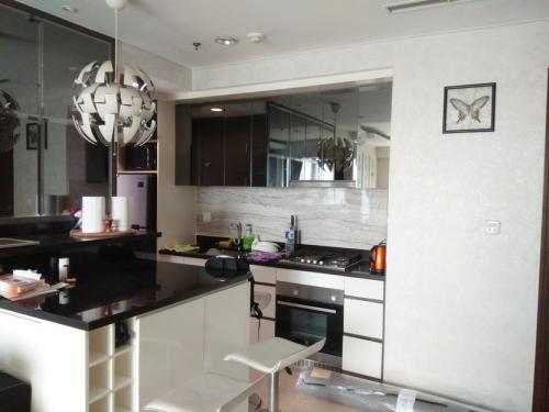 Disewakan 2 Bedrooms Apartemen Setiabudi Sky Garden ...