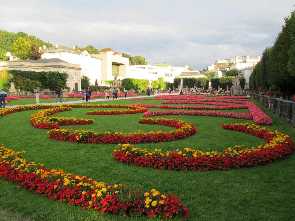 mirabel-gardens-963781_1920