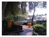 taman dan kolam renang
